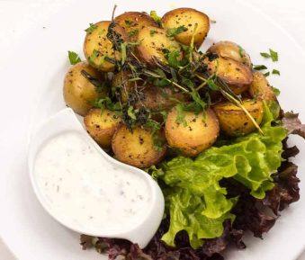 Gebakken aardappelen met kruiden