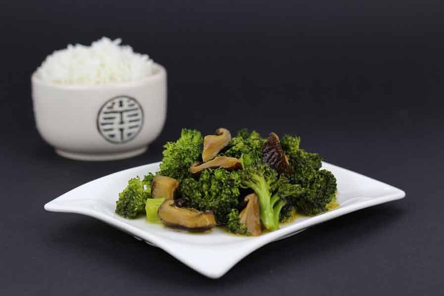 Geroerbakte broccoli en oesterzwammen
