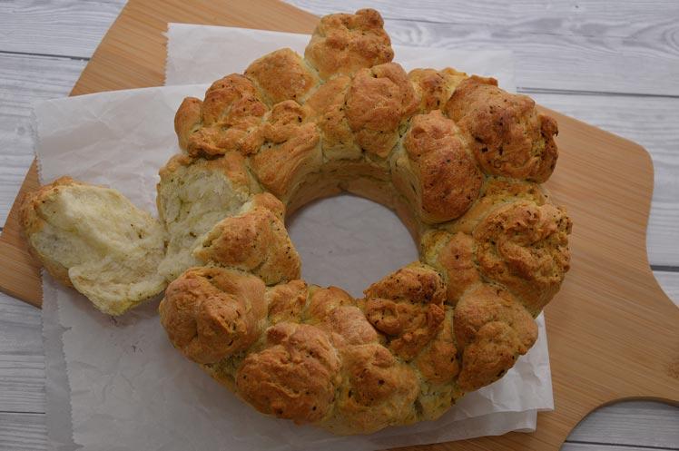 Italiaans plukbrood met pesto